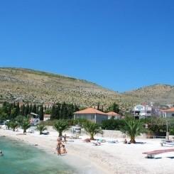 Strandwohnung mit Meerblick in Seget Donji bei Trogir zu vermieten