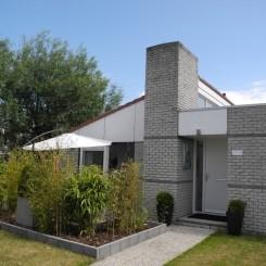 Modern eingerichtetes Komfort-Ferienhaus in Julianadorp fussläufig am Nordseestrand. Sehr gut gepflegt, ruhige Lage,  W-LAN kostenlos,  mit Boxspringbett und 2. Fernseher 40 Zoll.
