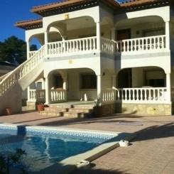Großes freihstehendes Ferienhaus über 2 Etagen in Miami Playa Costa Dorada Spanien