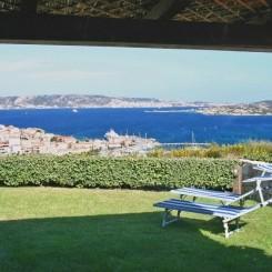Ferienhaus mit Garten & Panorama-Meerblick